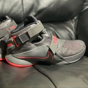 LeBron soldier 9 size 11.5